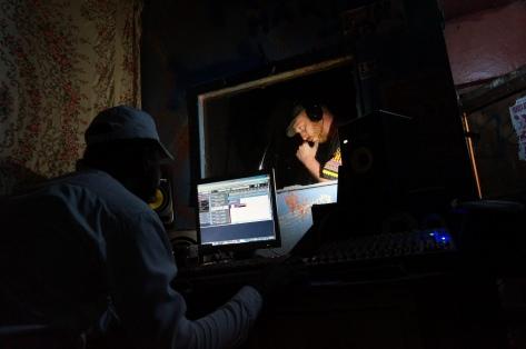 Mombasa - Studio